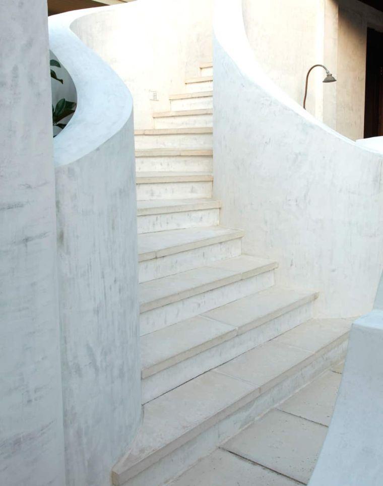 escaleras-de-marmol-opciones-espacios-pequenos