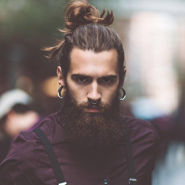 hombre-cabello-largo-cola-estilo-2019
