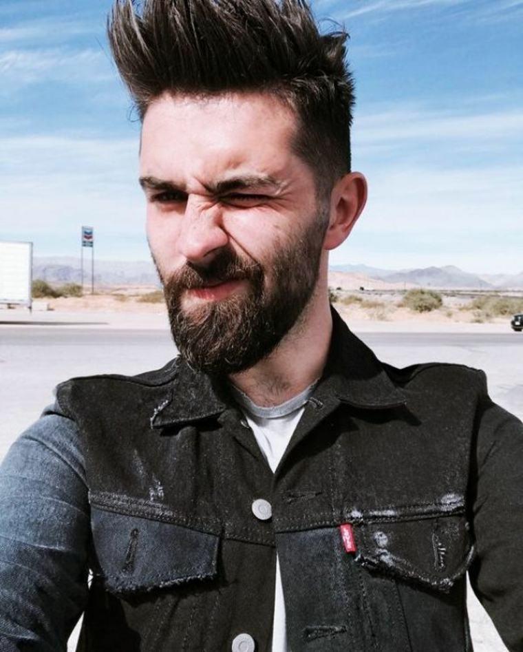 hombre con barba estilo