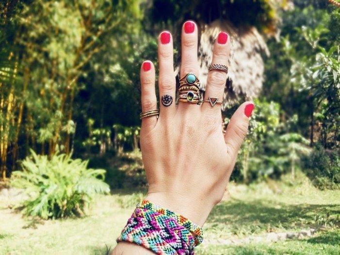 imágenes de tatuajes pequeños-anillos-dedo