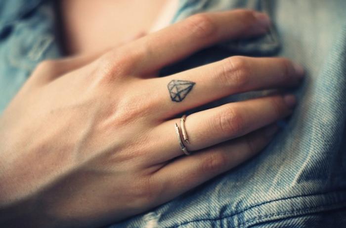 imagenes-de-tatuajes-pequenos-diamante