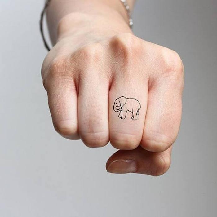 imagenes-de-tatuajes-pequenos-elefante
