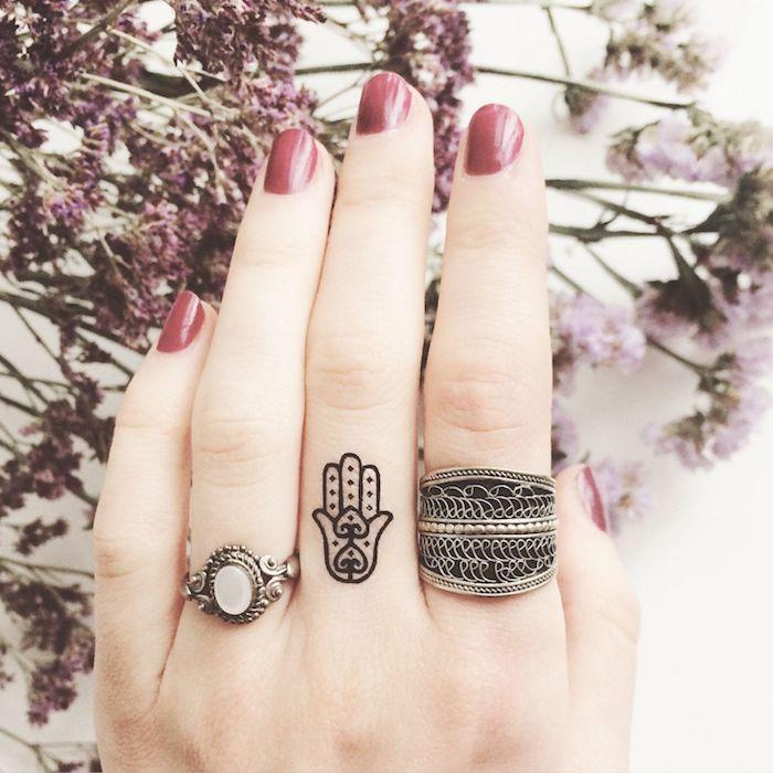 imagenes-de-tatuajes-pequenos-mano-fatima