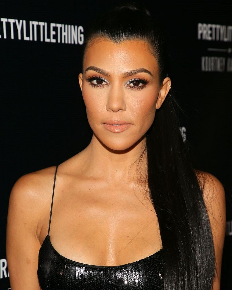 peinados con coletas-estilo-Kourtney-Kardashian