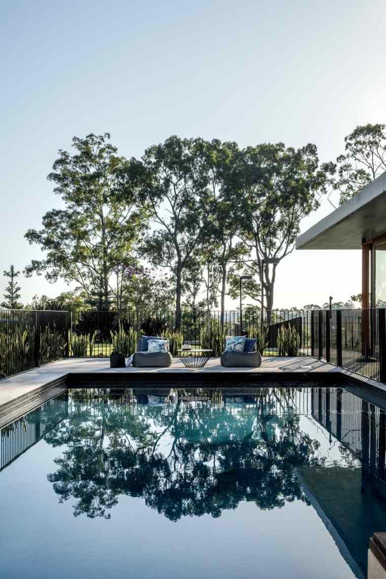 piscina-vistas-casa-jardin