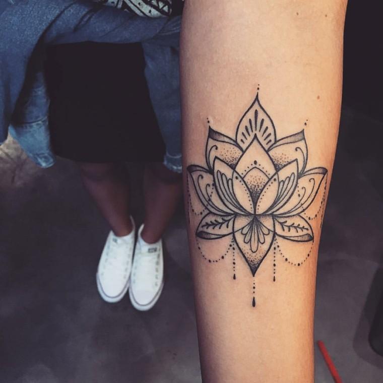 tattoo-mandala-diseno-chica-lotus