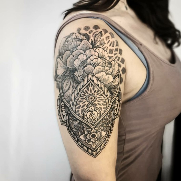 tattoo-mandala-estilo-mujer