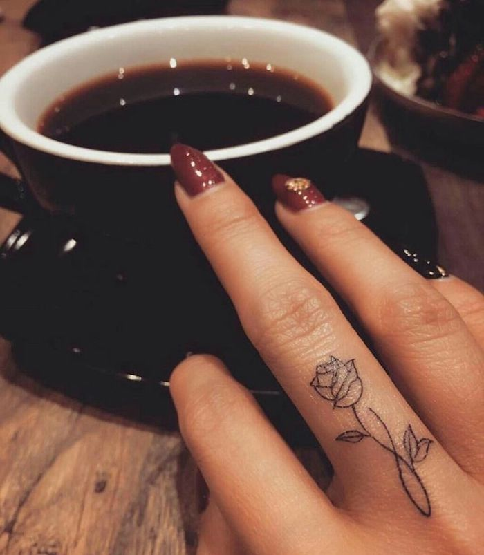 tattoo-rosa-ideas-mujer