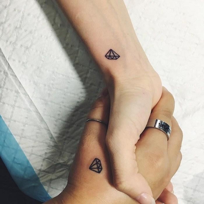 tatuajes-dedo-diamantes