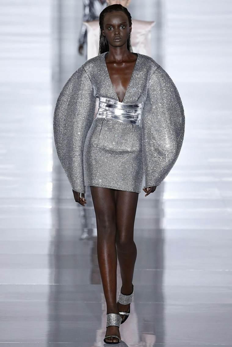 tendencias 2019 vestido plateado
