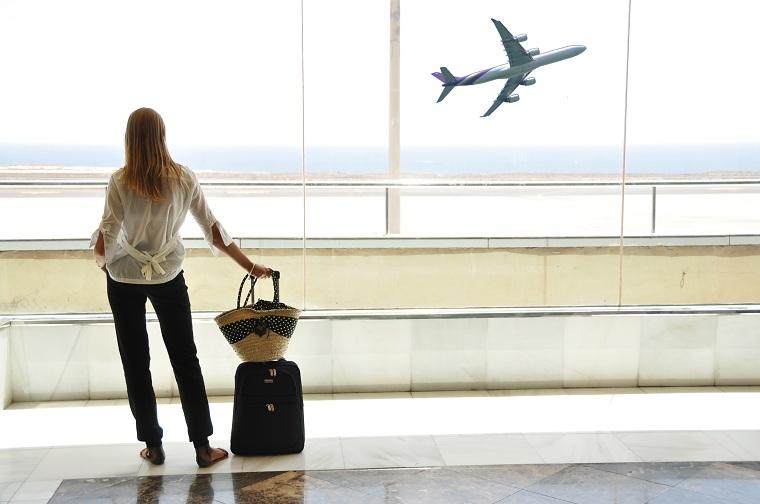 viajar a estados unidos-chica-avion