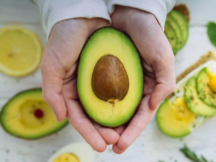 alimentos buenos para el corazón-aguacate