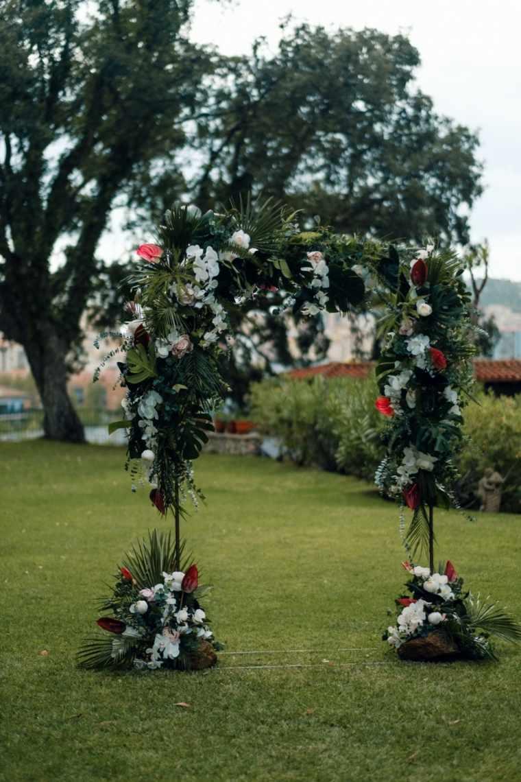 boda-aire-libre-altar-estilo-flores