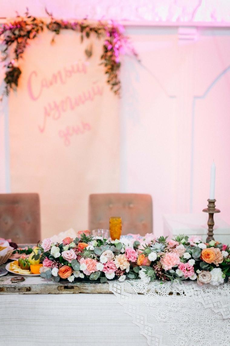boda-boho-chic-estilo-mesa-camino-flores