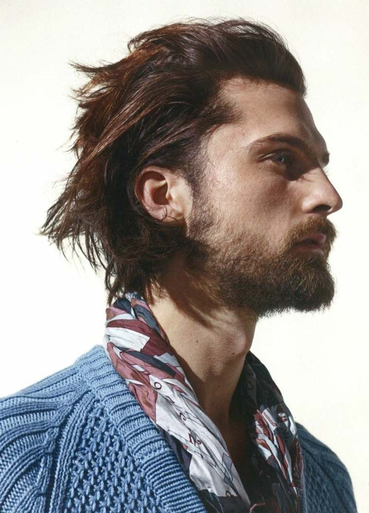 cabello-largo-hacia-atras-baraba-estilo