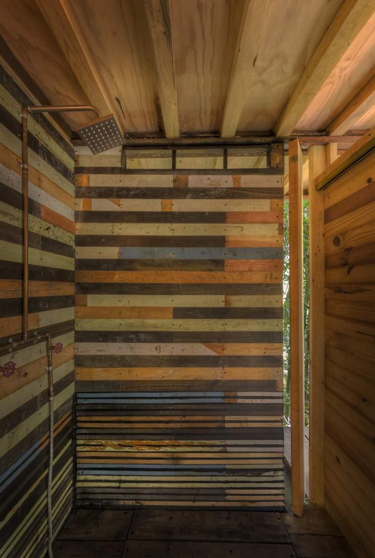 casa-flotante-bosque-interior-ducha