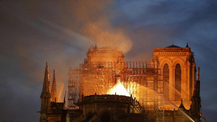 catedral-de-Notre-Dame-paris-incendio-devastador
