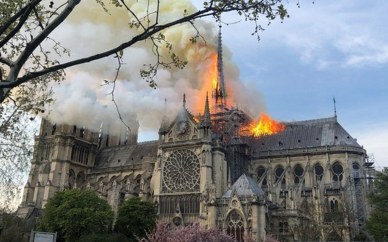 catedral-de-Notre-Dame-paris-incendio