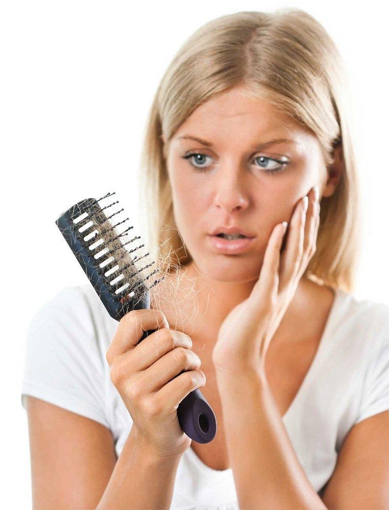 causas-de-la-caida-del-cabello-respuesta
