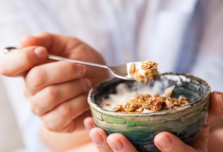 comer-yogur-beneficios-salud-ideas