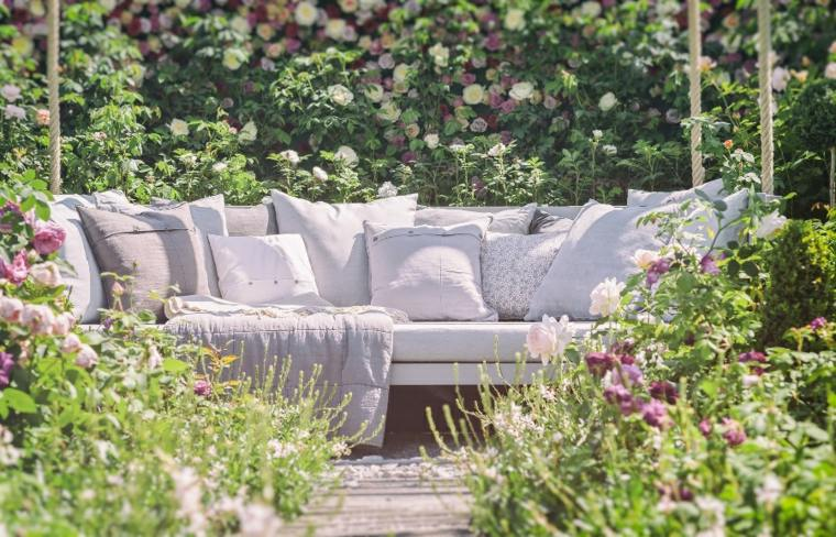 modern garden decoration