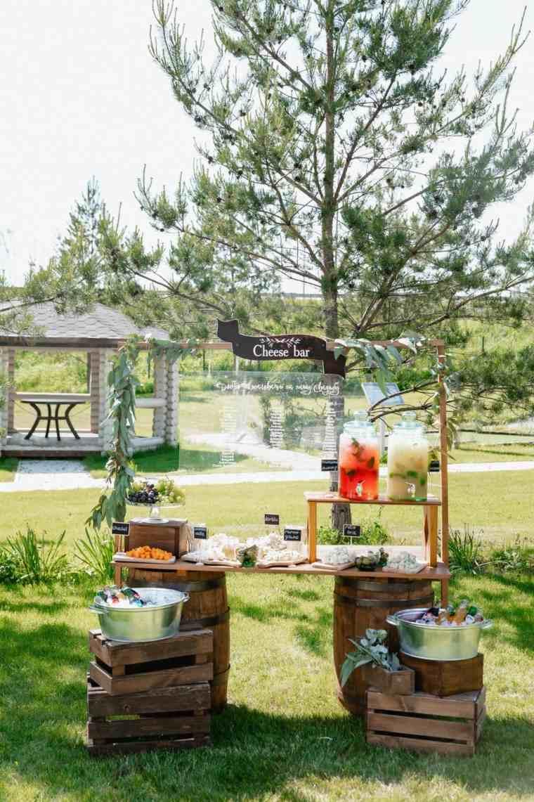 mesa-comida-tapas-invitados-boda