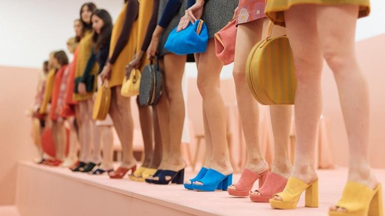 accesorios-de-moda-2019-sandalias-estilo