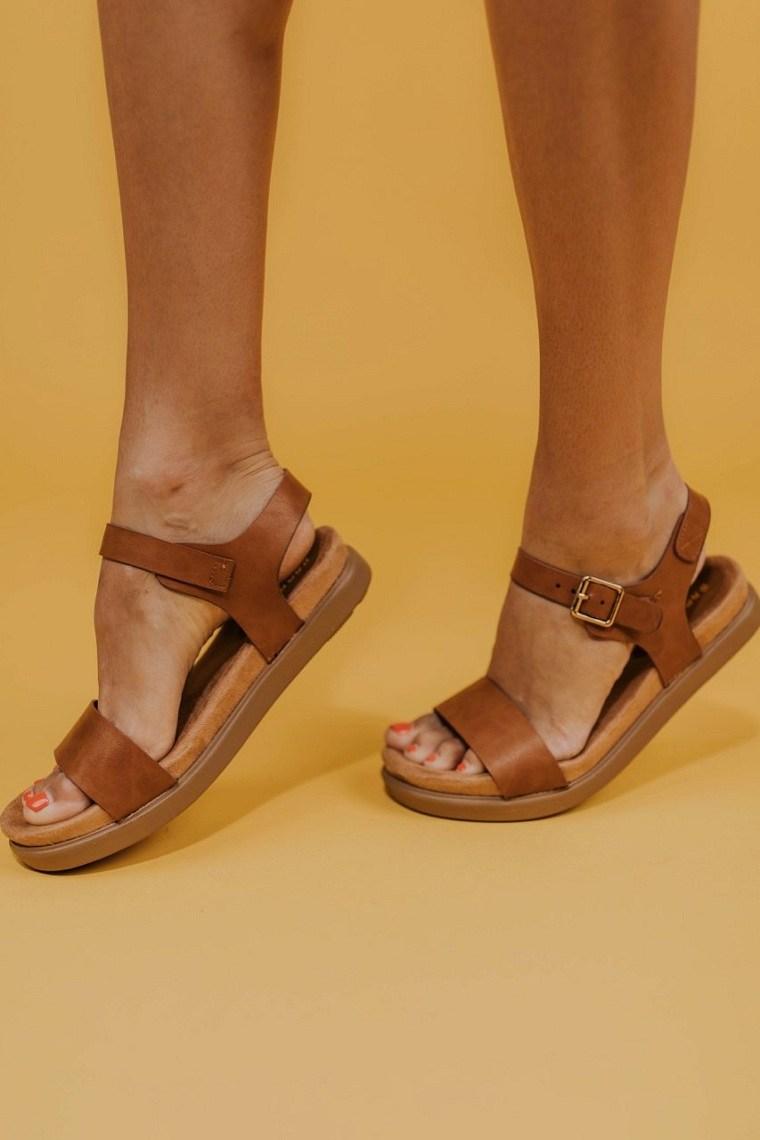 accesorios-de-moda-2019-sandalias