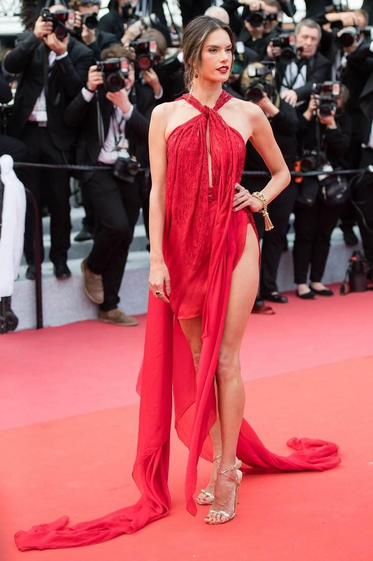 Alessandra Ambrosio en el Festival de Cannes 2019