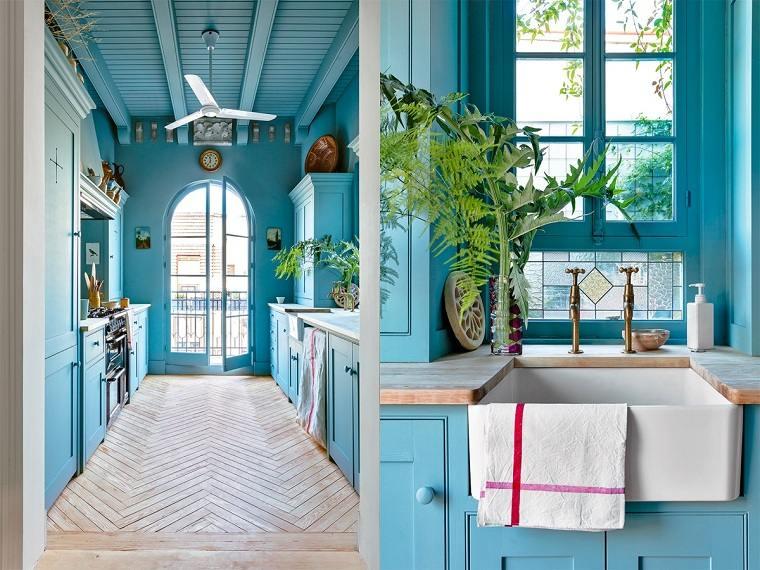 cocinas-largas-y-estrechas-azul-claro