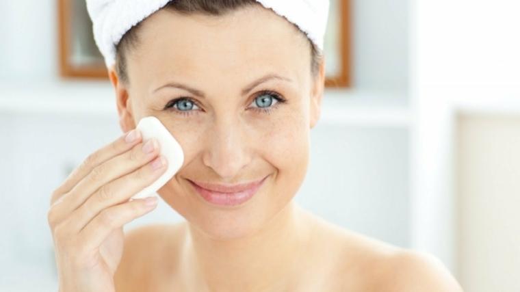 cómo limpiar la cara-para-piel-sana