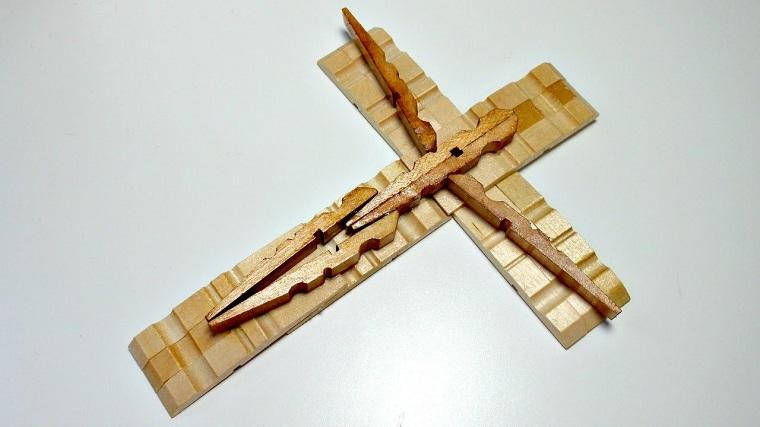 crucifijo casero facil de hacer con niños