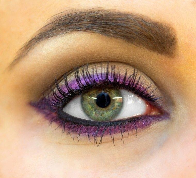 delineadores de ojos-coloridos-tendencias-2019