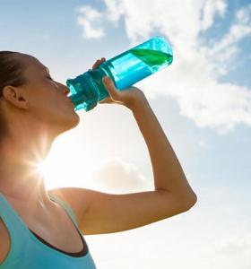 deshidratacion-consejos-verano-beber-agua