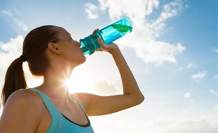 deshidratación-consejos-verano-beber-agua