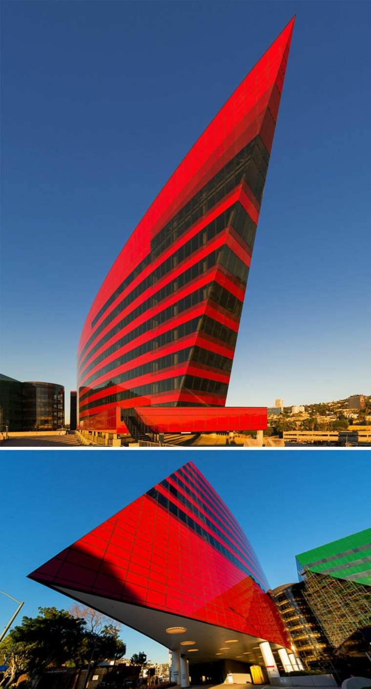 edificio rojo California