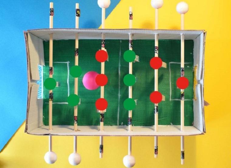 Futbolin facil de hacer con carton y madera
