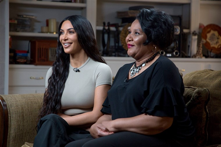 Kim Kardashian y Alice Marie Johnson