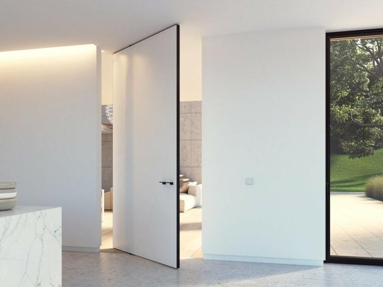 puerta pivotante blanca