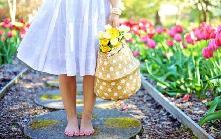 regar-plantas-flores-jardin-consejos-ideas