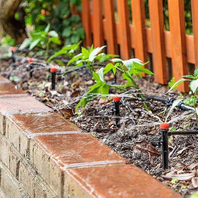 regar-plantas-ideas-consejos-jardin-bello