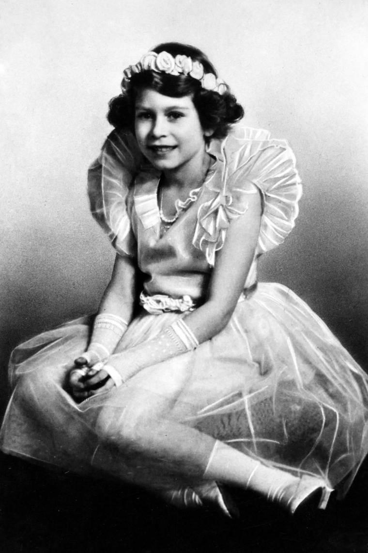 Isabel II con vestido de ballet