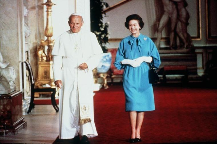 La Reina Isabel y el Papa Juan Pablo