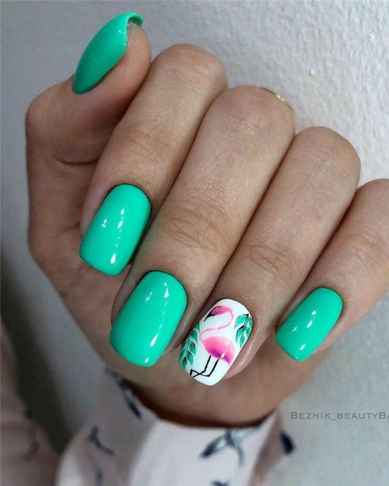 Arte de uñas con motivos de verano