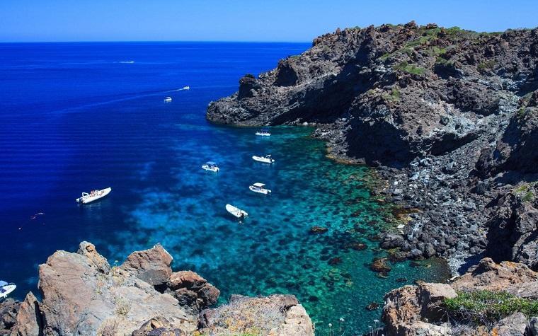 aguas termales-Pantelleria-italia
