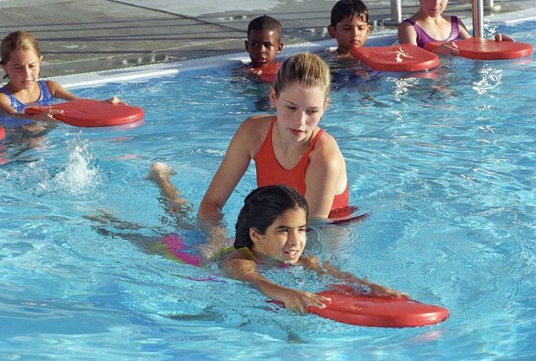aprender a nadar con tabla