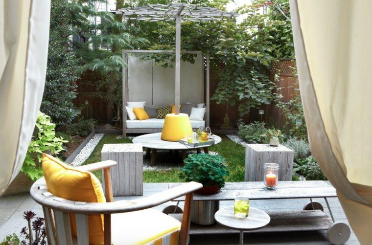Patios y jardines modernos