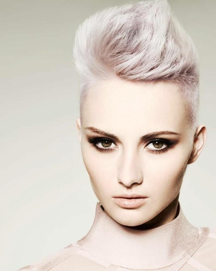 cabello-rubio-corte-pixie-estilo