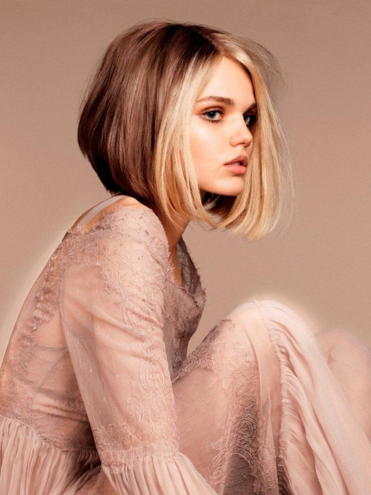 cabello-rubio-distintas-tonalidades-estilo-corto