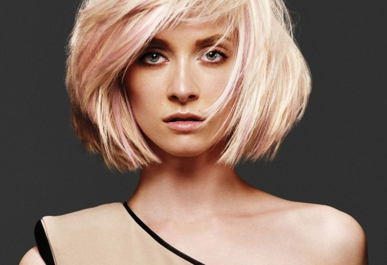 cabello-rubio-mechas-color-rosa